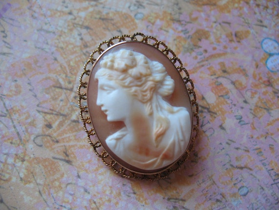RESERVED for Elizabeth Exquisite Cameo Brooch Gold Lace Setting