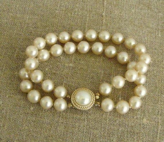 Vintage Trifari Double Strand Pearl Bracelet