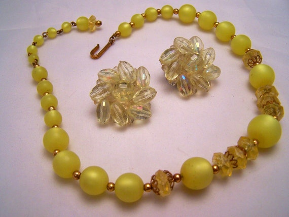 Daisy Yellow Clusters  Necklace and Earrings