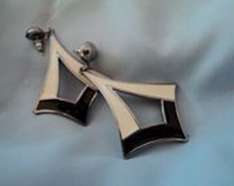 Costume jewelry, Earrings '80 Black and White