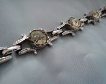 Very Nice Vintage and Glamourous Bracelet