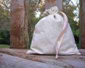 HOLIDAY SALE - Fat Little Bag, Cream Leaves