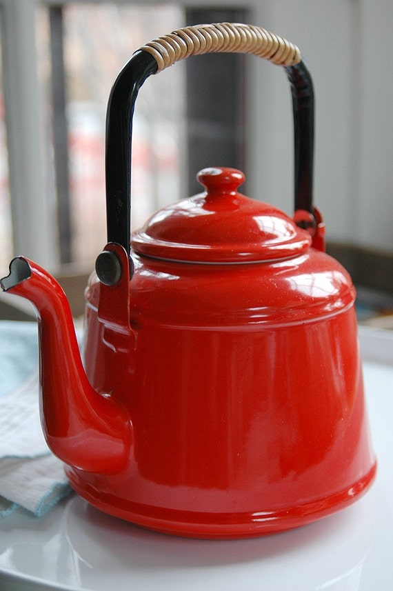 Red Tea Kettle ~ Vintage japanese tea pot kettle tomato red