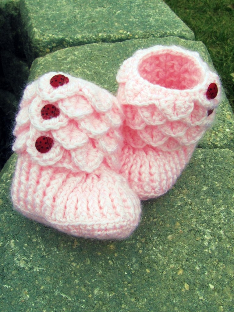 Crochet Pattern For Crocodile Stitch Baby Booties : Items similar to Crocodile Stitch Crochet Baby Booties ...