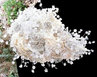 brooch bridal  bouquet ,  alternative wedding bouquet,brooch bouquet ,cascade, waterfall, teardrop bouquet,alternative bridal bouquet