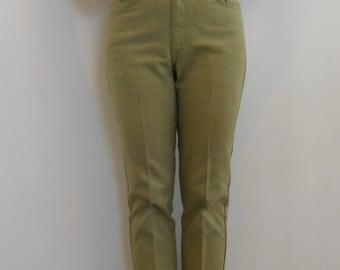 Vintage 70's Levi's // High Waisted Vintage Jeans // Big E levi's // Green Jeans