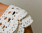 white crochet peter pan collar