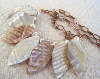 Shell & Pearl Necklace / Copper Chain Necklace / Petal Summer Beach Jewelry