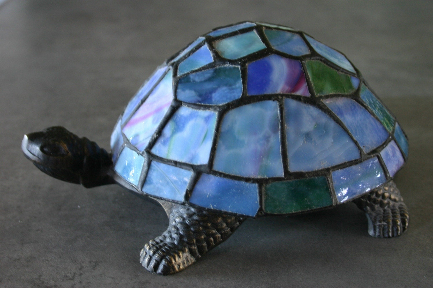 collectible stained glass turtle lamp. Black Bedroom Furniture Sets. Home Design Ideas