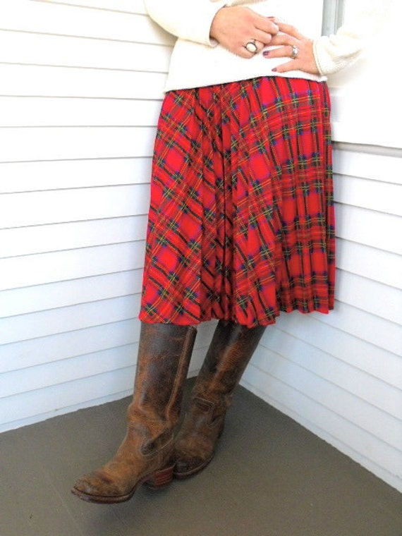 Vintage  SKIRT, vintage Clothing, plaid pleated skirt, mid length, holiday clothing, traditional, size M, by Zasra