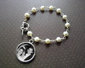 Photo Jewelry - Bracelet - Freshwater Pearls with Circle Photo Charm