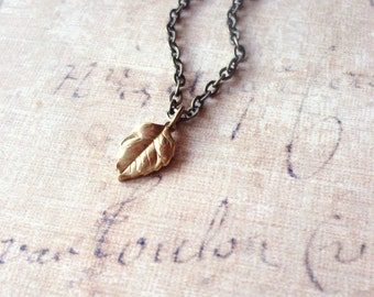 Gold Leaf Necklace Botanical Jewelry Tiny Small Charm Nature Pendant Rustic Woodland Accessories Vintage Style Womens Gift For Her Spring
