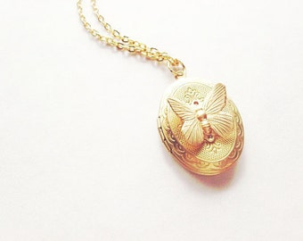 Butterfly Locket Necklace Nature Jewelry Gold Insect Pendant Garden Charm Rustic Woodland Wedding Bridesmaid Accessories Women Gift For Her
