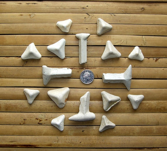 16 Vintage Clay Sea Pottery Stilts - Kiln Furniture - Tumbled Beach Finds (131)