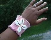 Wrist Cuff Big Cowrie Shell - Pink