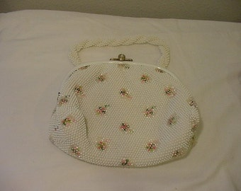 Vintage 1960's Era White Beaded Purse With Flower Design  Very Pretty And Clean  # HAS 86