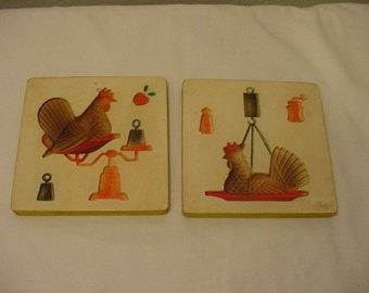 Vintage Set Of Chalk Chicken On  Weigh Scale Wall Plaques     Tooo Cute   # HAS 73