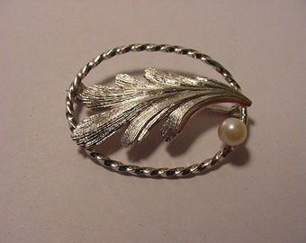 Vintage Signed TK Sterling Silver Brooch   2011 - 1098