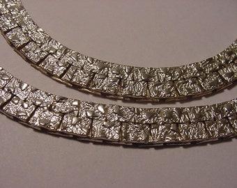 Vintage Silver Tone Metal  Necklace  2011 - 1816