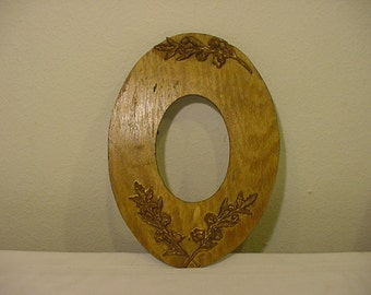 Vintage Wood And Gesso Oval Frame   # HAS  45