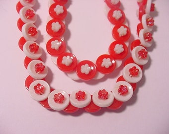 Vintage 1960's Era  Red And White Plastic Button Necklace 12 - 133