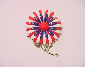Vintage 1960's Era Red White And Blue Enameled Flower Brooch  12 - 285