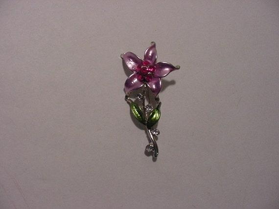 Vintage Pink Flower Brooch With Pink Rhinestones   2011 - 265