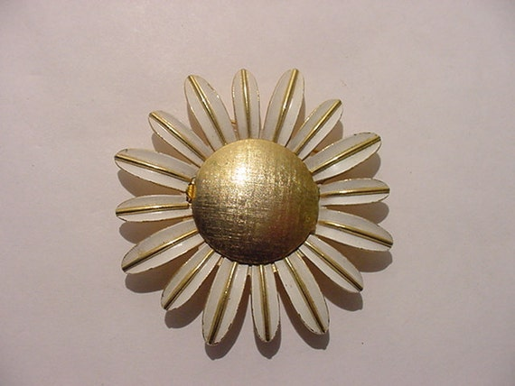 Vintage Sunflower Brooch With Hidden Compartment   11 - 2031