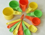 Vintage Tupperware Measuring Spoons and Stackable Measuring Cups