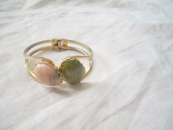 Vintage Gold Clamp Cuff Bracelet with Rose Quartz & Moss Agate Cabochon Boho /// Sale and FREE SHIPPING