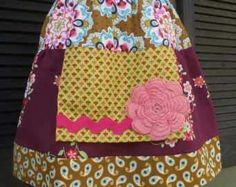 Girls Apron Twirl Skirt, size 6/8 only, LAST ONE