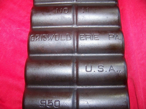 Griswold No. 11 Cast Iron French Roll Pan 0197