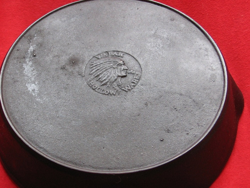 Wapak No 7 Cast Iron Indian Head Skillet 0389