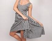 Vintage1950s Gingham Dress / 50s Cotton White Grey  Blue / Day Dress Circle Skirt /  Size Small Medium S M0332