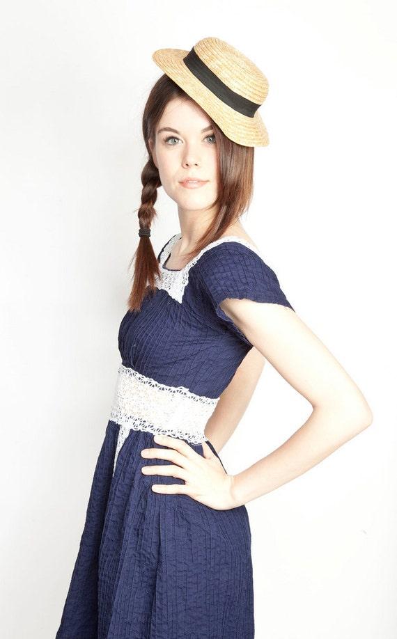 Vintage 60s Navy Cotton Linen Mini Summer Dress with Crochet Waist Nautical Sailor Sailorette Summertime Beach Mini Micromini Short Babydoll Lola Lolita Lolly Dolly Lollie Dollie Seaside Preppy 0295
