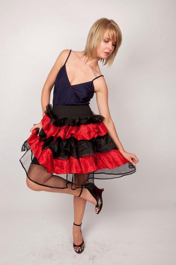 Mini Skirt / 1980s Skirt / Vintage 80s Skirt / Red and Black