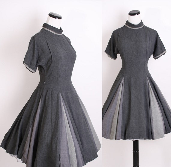 1940s Dress / Mad Men Dress / Grey Dress  / Gray Dress / Wool / Lavender/ Betty Mad Men / Winter Dress / Circle Skirt / 0670