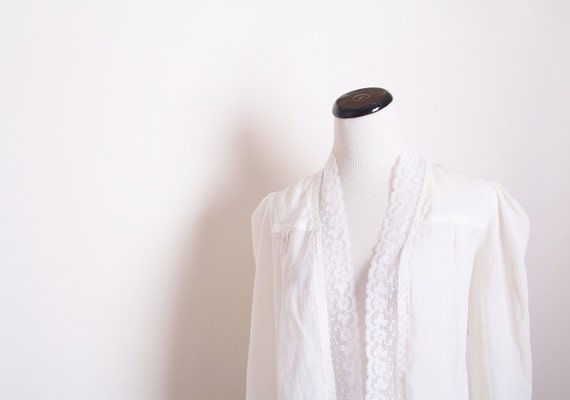 Gunne Sax / White light weight cotton cardigan / Bohemian / Boho / Vintage Lace / Edwardian / Wedding / 1130