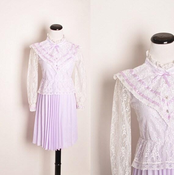 Reserved - 1970s Victorian Revival Pastel Lilac Peplum Prairie Dress / Dress / Dresses / Secretary / Lolita / Purple / Babydoll / 1147