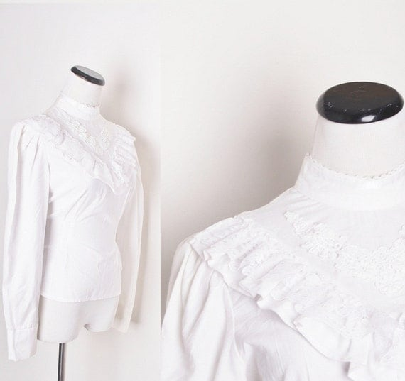 1970s Western Victorian Style White Lace Blouse / Vintage blouse / Blouse / Blouses / Shirt / Shirts / Top / Tops / Prairie / Boho / 1133