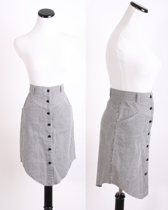 Houndstooth  /  Skirt /  Vintage Skirt / Houndstooth Skirt  /  Black and White  / Short Skirt  / Cotton Skirt / Small  / Fall Fashion / 057