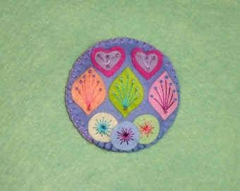 Hand-stitched Felt Brooch - Casual Connections