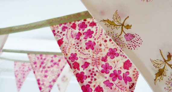 Bunting banner : Liberty of London Pretty blooms Gorgeous for weddings & celebrations Over 8 ft long (excl. ties) 12 flags READY TO SHIP