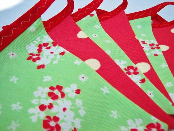 Bunting banner in Cath Kidston red & green Perfect for Christmas Almost 9 ft long (excl. ties) with 12 flags READY TO SHIP