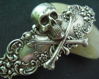 Aged antique sterling silver plated brass skull gothic silver metal aligator clip