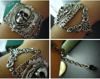 Aged sterling silver plated brass skull cameo gothic bracelet, C009