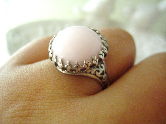 Kamra-- 50s West Germany Vintage light pink round glass cab antique silver brass adjustable ring