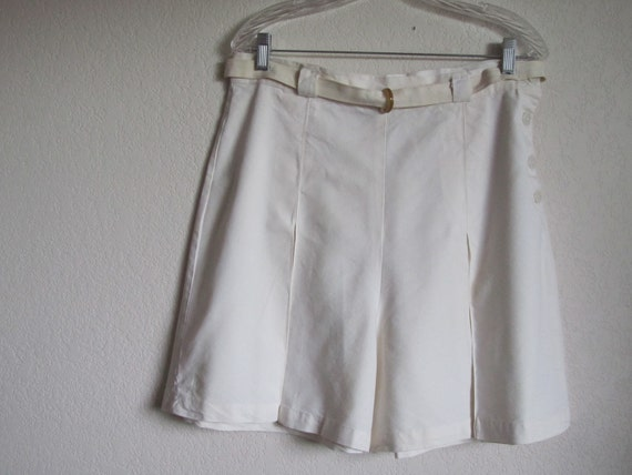 1930s 1940s Jantzen Pinup Shorts in White with Bakelite Belt Buckle