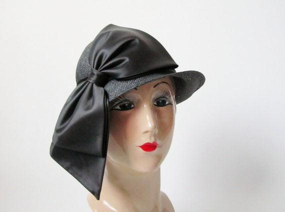 1960s Dress Hat - 1920s Style Straw Cloche with Huge Assymetrical Bow