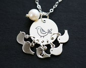 Grandma gift,Grandmother gift,mothers gift,original bird initial necklace,pearl necklace,monogram,Mother of five